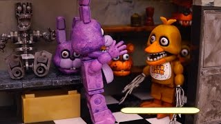 FNAF Backstage and Office Toys - Foxy Steals Bonnie's Guitar and Golden Freddy Gets Blamed