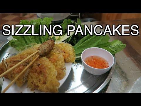VIETNAMESE BANH XEO HANOI STREET FOOD