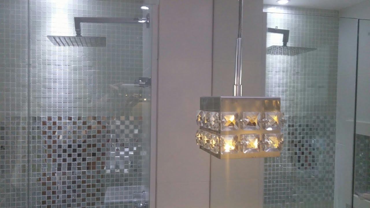 APARTAMENTO BANHEIRO SOCIAL Com Nicho e Pastilhas de Vidro Espelhadas  Banh -> Nicho Banheiro Embutir