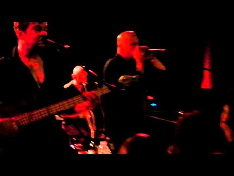 Stranglers - I Hate You - Lessines1 -9April2011.MP4