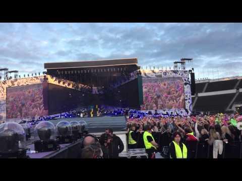 One Direction - Night Changes / OTRA Helsinki, Finland 27/6/15 / fan project Flower Sea