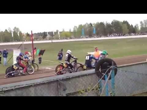 Matten Kröger gewinnt Sandbahn Suhnes Goldhelm 2015 in Parchim