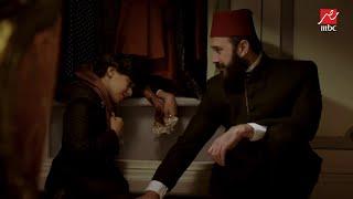 الخديوي اسماعيل يحتوي الأمير توفيق بكلمات حب عن شفق هانم #سرايا_عابدين