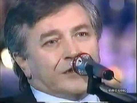 Pierangelo Bertoli - Spunta La Luna Dal Monte (with Lyrics)