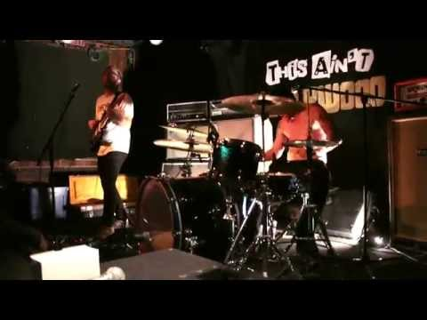 Solids - Live @ This Ain't Hollywood (Hamilton, Ontario)
