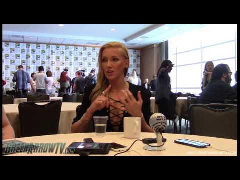 Katie Cassidy   Arrow Season 6   Comic-Con 2017