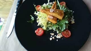 Постное меню: салат с карамелизованной грушей и сыром тофу