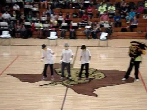 Dubstep dance at lamesa middle school
