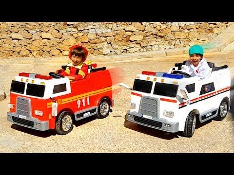CENTRAL DE EMERGENCIA DANI Y EVAN 🚒BOMBEROS Y 🚑AMBULANCIA Al RESCATE! Camiones Para Niños PEKECARS