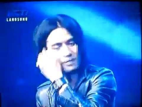 Charlie feat Judika Idol - Aku Terjatuh - Top 7 Indonesian Idol 2012.avi