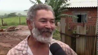 Homem da roça acha mala com 135 mil reais e devolve ao dono