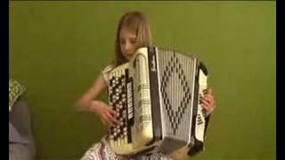 Vilma plays Beautiful Days by Pietro Deiro on accordion. Vals på dragspel. Fisarmonica.