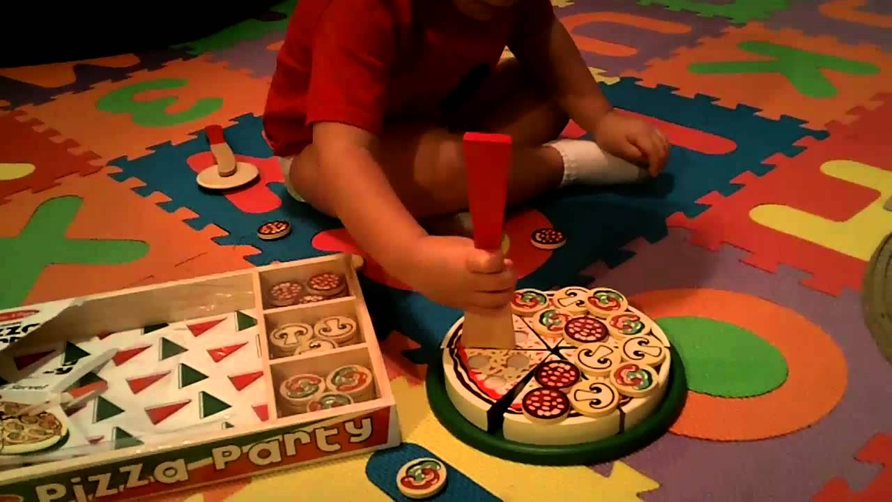 Doug and Melissa\'s Pizza Party Wooden Playset - PRODUCT REVIEW - YouTube
