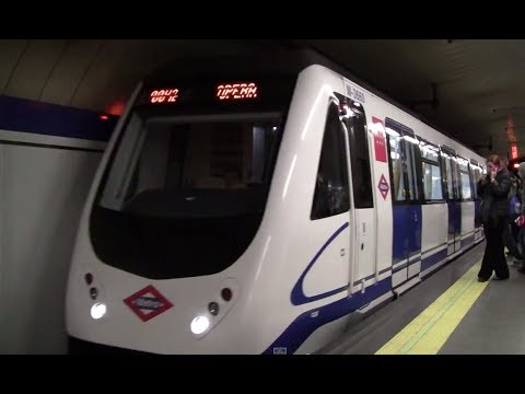 Madrid Metro: Class 3000 Ramal Shuttle Arriving at Opera