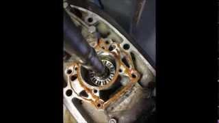Moteur hors bord Suzuki 115 CV 2t vérification et remplacement de la pompe à eau