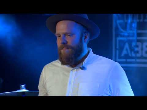 Alex Clare - Too Close - Live in Budapest