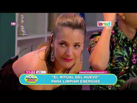 """Julia Vial se realiza """"el ritual del huevo"""" para comenzar bien este 2017"""