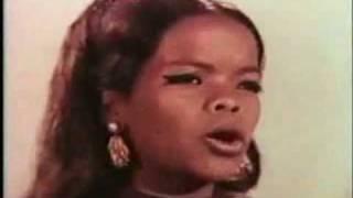 Rare Video of Oprah Winfrey at Age 17 Singing!!
