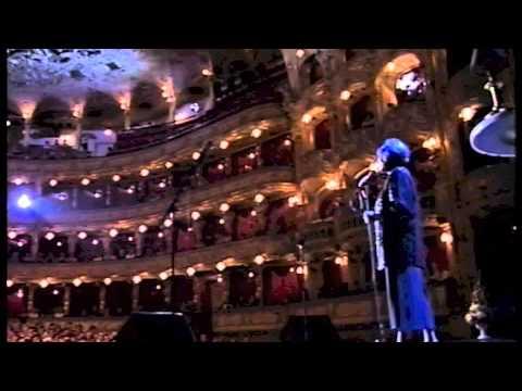 Hana Hegerová - minirecital (Královny popu v opeře, 2000)