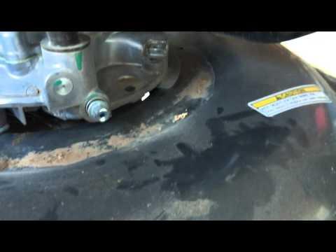 Honda HRC 216 Oil Change