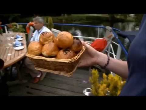 Dining aboard a Hotel Barge - Gastronomic Cuisine, Fine Wines and Delicious Cheeses