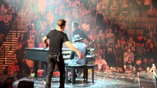 NKOTB Just A Friend - Oh Baby You Got What I Need - Live Concert @MandaylayBay 2015