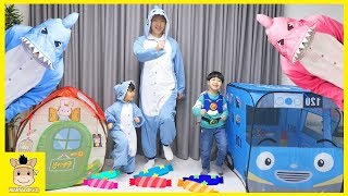 Head, Shoulders, Knees & Toes Exercise Song for Children Family fun with Tayo Bus | MariAndKids Toys