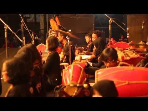 Ladrang Ayun-ayun, Ilir-ilir, Suwe Ora Jamu by Omah Gamelan ( Bantul Expo 2015 )