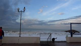 Осенний ШТОРМ на море. Лазаревское, Сочи 11 ноября 2016(Очень завораживают осенние шторма на море. В Лазаревском, Сочи теплая погода, t +15°C, правда ночью прошел..., 2016-11-11T05:21:45.000Z)