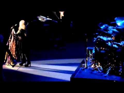 "Stevie Nicks: ""Welcome back Christine McVie"" (June 1, 2015 @ Ziggo Dome, Amsterdam)"