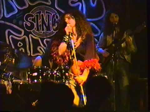 "Angel Forrest chante ""I Need A Man To Love"" aux Beaux Esprits le 02 dec.1994"