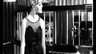 Krista Nico,1963. Jongo Trio,1965, Garota Moderna.