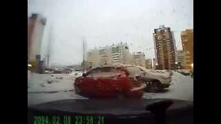 ДТП в Челябинске Жуткие Аварии и ДТП смотреть сейчас снятые на Видеорегистратор1(, 2014-11-24T11:52:06.000Z)