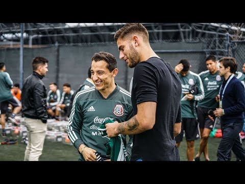 Yeferson Quintana & Andrés Guardado swap shirts at Mexico National Team training