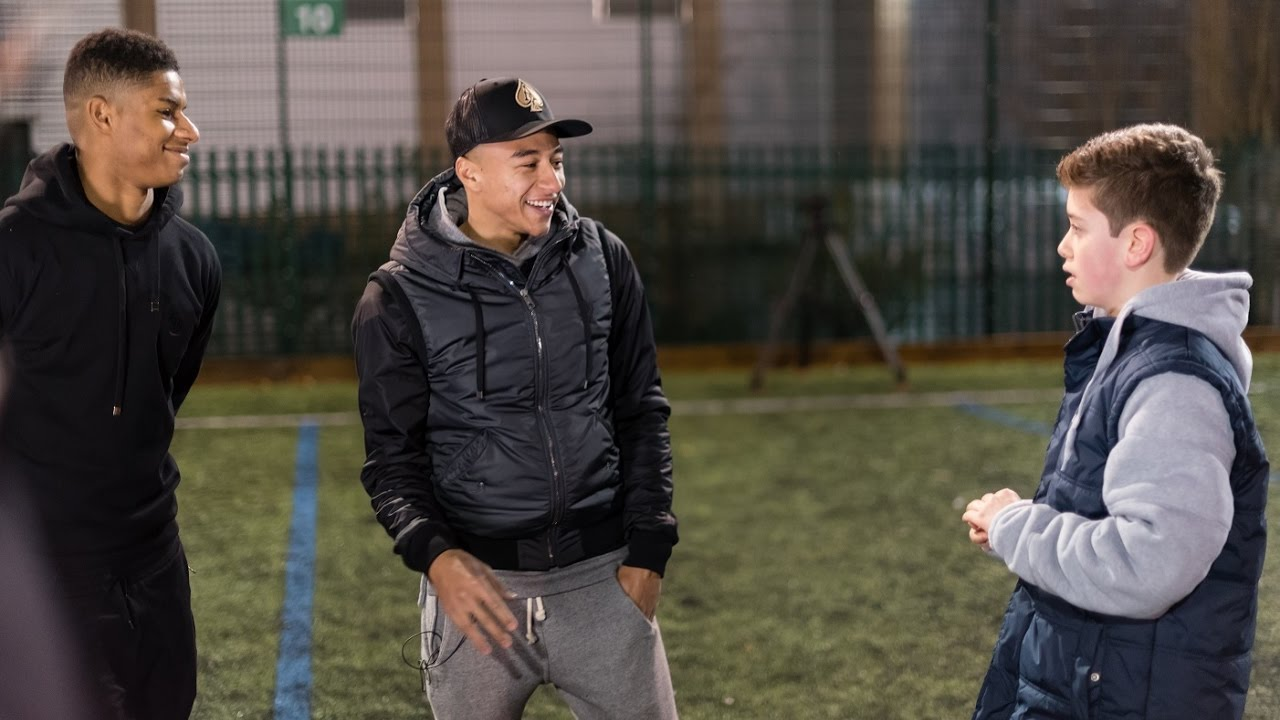 Marcus Rashford And Jesse Lingard Surprise Street Reds Participants Youtube