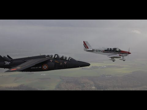 Armée de l'air - Assistance d'un DR400 en détresse