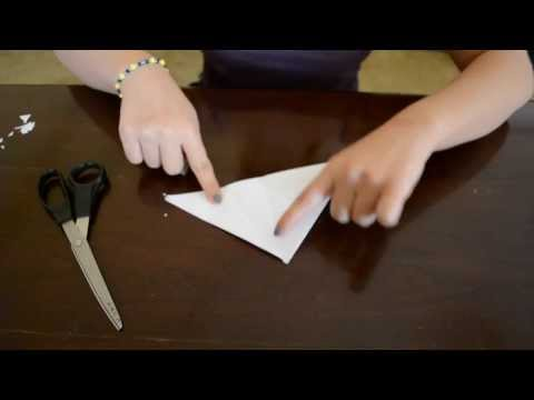How to: Make pretty & cool Paper Snowflakes