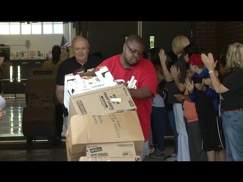 Acworth E.S. Donates Food To Must Ministries YT