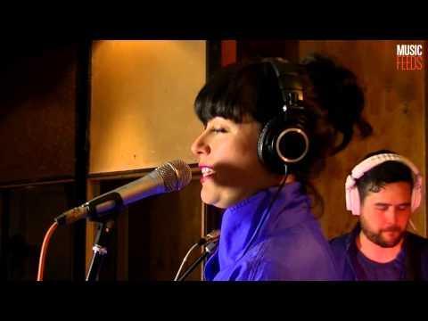 Jane Tyrrell - Stolen Apples (Live at Music Feeds Studio)
