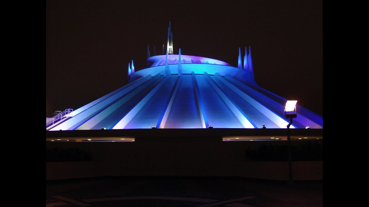 Top 10 Best Disneyland Rides 2014 Edition HD - YouTube