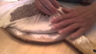 Чуду - национальное дагестанское блюдо.(Чуду -- это пирожки с разнообразной начинкой, которые пекутся на сухой сковороде, а потом смазываются топлён..., 2014-06-11T16:31:04.000Z)