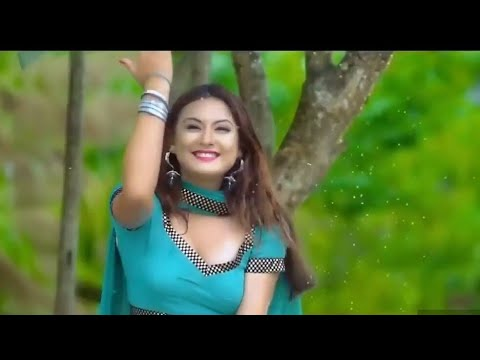 Main tujhse hi chup chup kar Teri aankhein padhti hoon romantic video  FULL HD