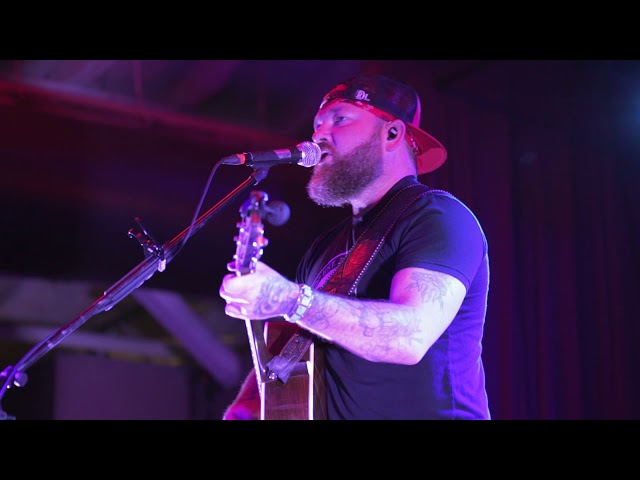 Stoney Larue - You Oughta Know Me By Now (Live)