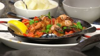 Gambar cover Whipping up classic paella with ease at home