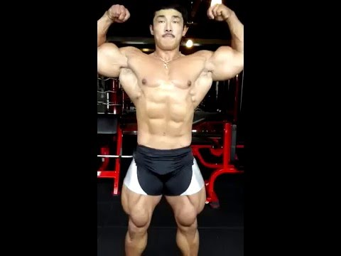 Korean Bodybuilder posing for your eyes only