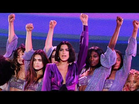 """Dua Lipa STUNS During """"New Rules"""" At 2018 Billboard Music Awards"""