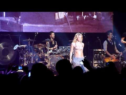 Shakira The Sun Comes Out Tour Frankfurt Ojos Asi
