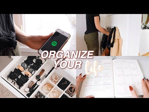 GET YOUR LIFE TOGETHER FOR 2019 (cleaning, planning + organization)