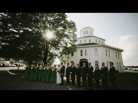 Round Barn Wedding // Marcus + Meredith