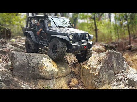 Jeep Wrangler JK Doing Some Extreme 4x4